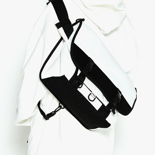 TECHNICAL MESSENGER (WHITE)