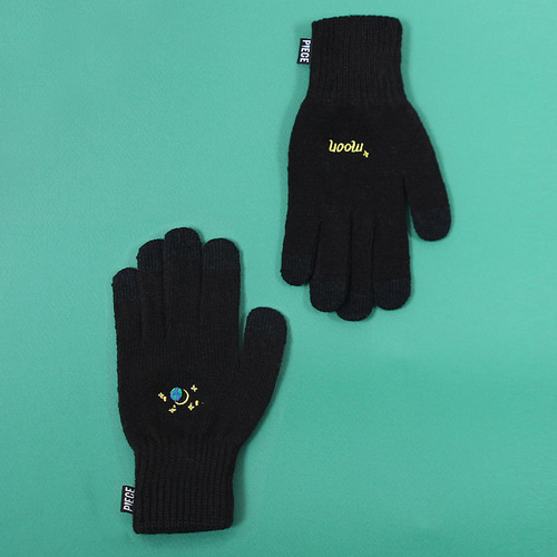 SPACE UNIT SMART GLOVES (BLACK)