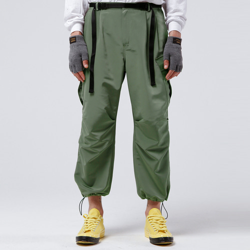 2TUCK BELTED CARGO PANTS (OLIVE GREEN)