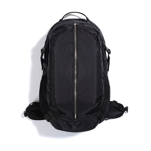 NYLON ZIP SQ BACKPACK (BLACK)